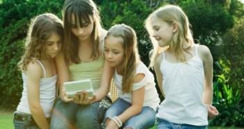copii cu smartphone