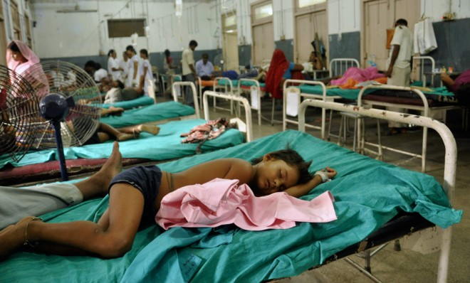 indian-children-who-fell-sick-after-eating-a-free-school-lunch-receive-care-at-a-hospital-in-patna