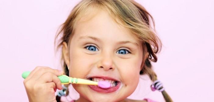 De ce e bine ca parintii sa pastreze dintii de lapte ai copiilor?