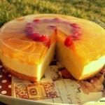 Retete sanatoase: Tort cu vanilie si piersici