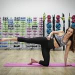 Doza de sport, cu Raluca Basu. Exercitii pentru coapse (VIDEO)