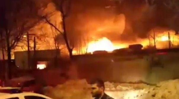 ALERTA: Incendiu puternic izbucnit la clubul Bamboo din Capitala. 38 de persoane au ajuns la spital