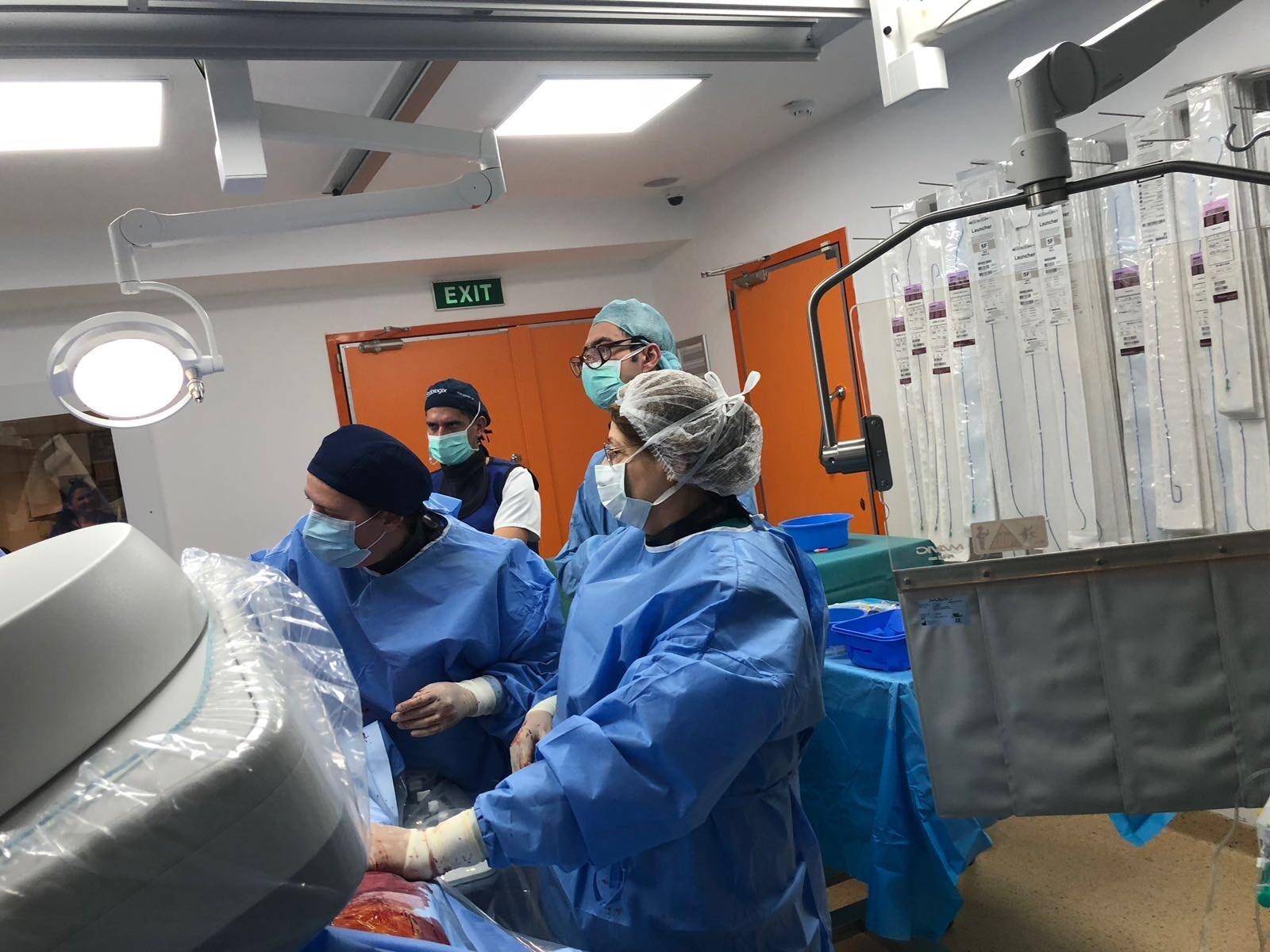 premiera endoprotezare sanador - 2