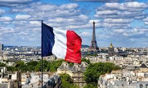 Franta | Vaccinarea cadrelor medicale si pasaportul verde pentru accesul in spatii publice, masuri obligatorii